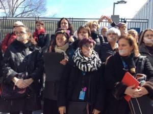 Mujeres protestan frente a Naciones Unidas