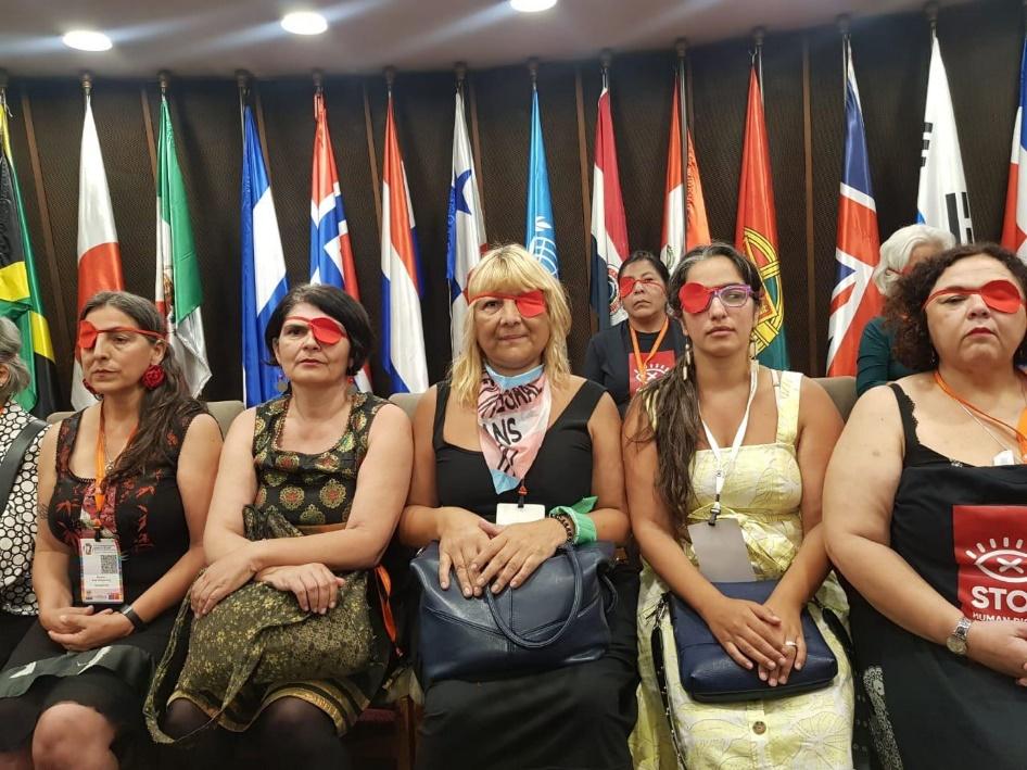 Feministas de América Latina se manifestaron contra la ministra de la Mujer de Chile